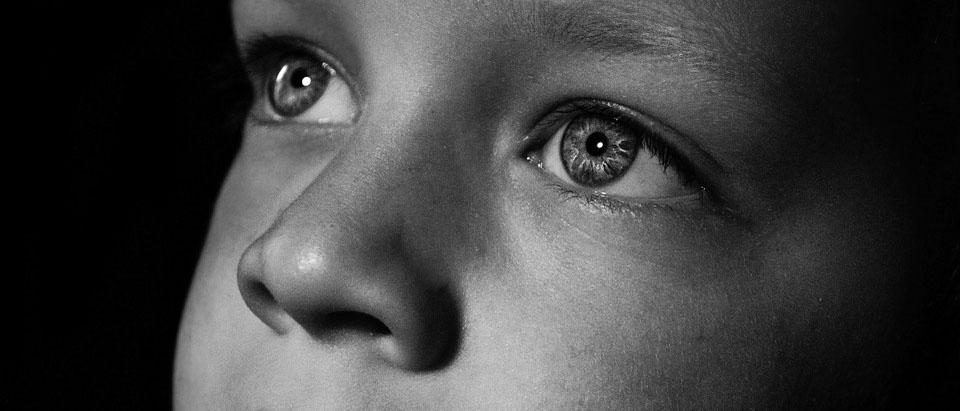 Может ли сирота приватизировать квартиру? Каков порядок приватизации квартиры сиротами в 2018 году? Куда ему стоит обратиться? Узнайте на нашем ресурсе по жилищному праву.