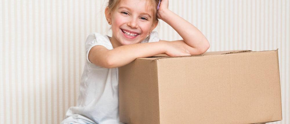 В каких случаях можно продать долю несовершеннолетнего ребенка? Какие нужно подготовить документы? Потребуется ли разрешение органов опеки? Читайте в нашей статье.