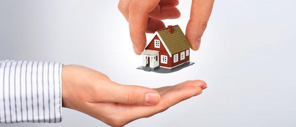 Какие правила нужно соблюсти при сдаче квартиры в аренду? Как правильно оформить договор найма жилого помещения? Как сдавать квартиры посуточно и нужно ли платить налоги? Читайте на domkodeks.ru