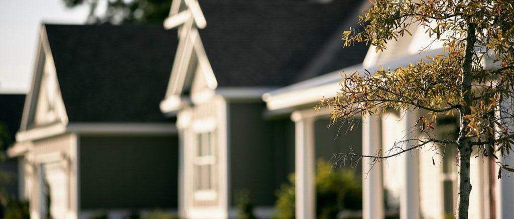 За что могут лишить права собственности на квартиру? Законно ли это? Ответят наши опытные юристы по жилищному праву.