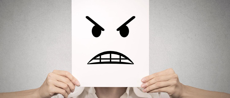 Куда жаловаться на ТСЖ, если оно не выполняет своих обязанностей и нарушает полномочия? Как написать заявление? Ответы и образец жалобы на ТСЖ найдете в нашей статье.
